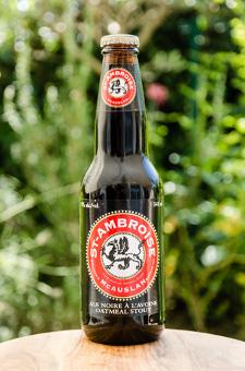 St. Ambroise Oatmeal Stout - McAuslan Brewing - Une Petite Mousse