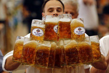 Pourquoi une bière déborde moins souvent qu'un café ?