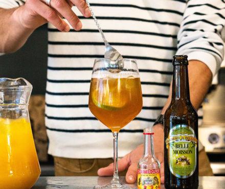 Devenez un as du cocktail à la bière, grâce à notre Box Mixologie et ses crèmes de fruits