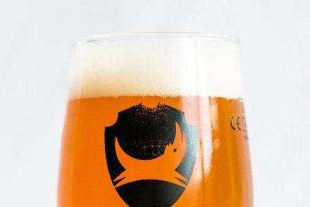 Pourquoi la bière mousse, et autres mystères sur les cols blancs (de la bière)
