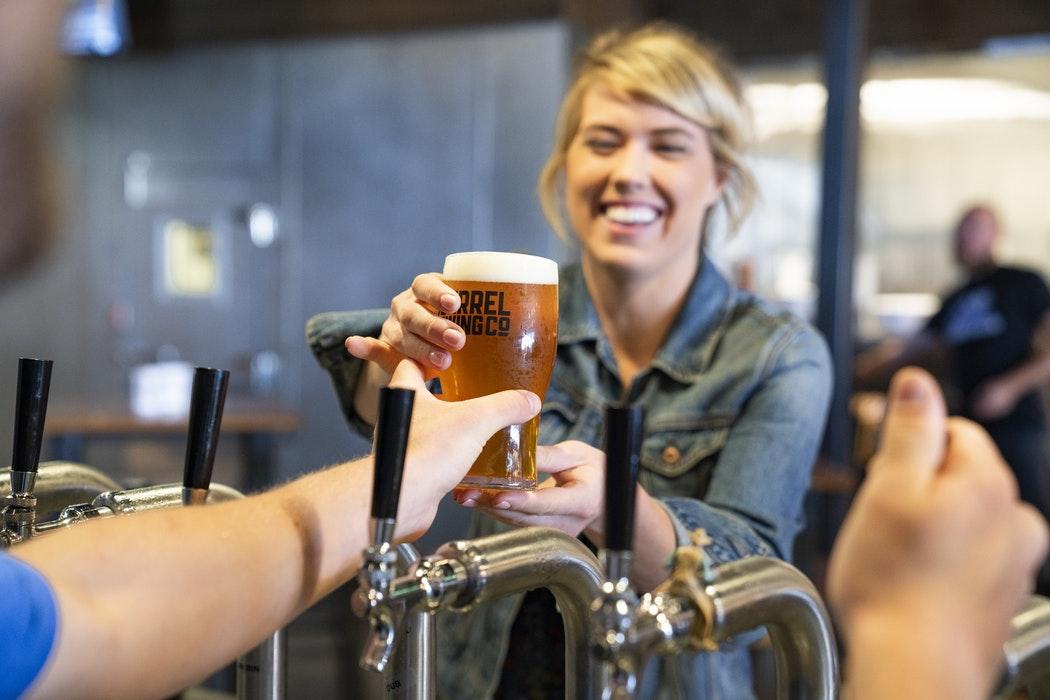 femmes et la biere