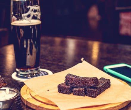 Accords mets et bières : 3 principes universels pour ne pas se tromper
