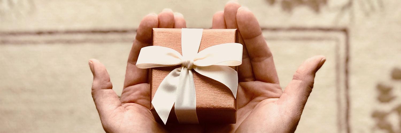 Cadeau Saint Valentin : un bijou pour une femme en or