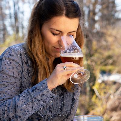 Biérologue en action : sentir la bière